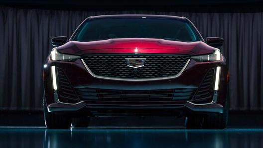 Компания Cadillac выпустила совершенно новый седан CT5