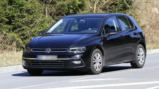 Дебют Volkswagen Golf нового поколения снова отложен