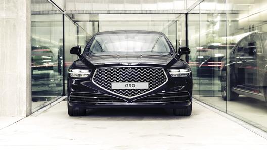 Объявлены российские цены на обновленный седан Genesis G90