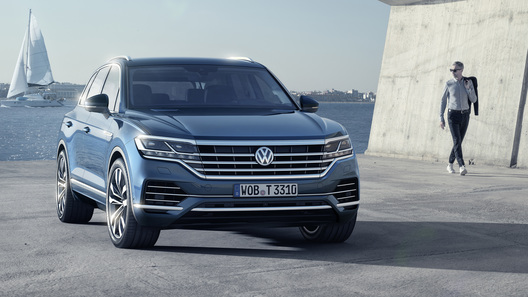 В России появился Volkswagen Touareg c обновленным оснащением
