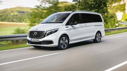 Mercedes-Benz EQV стал первым в мире премиальным электроминивэном