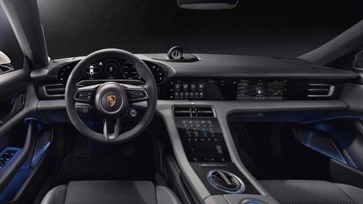 Полностью рассекречен интерьер первого электрокара Porsche