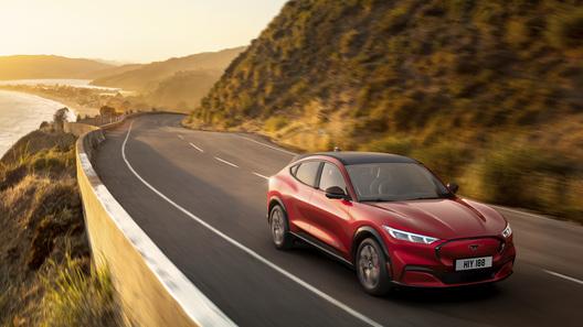 Ford Mustang официально переродился в электрическое кросс-купе