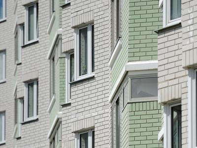 Московская десятиклассница упала с лестничного балкона 20 этажа