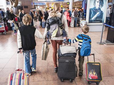 Аэропорты Берлина и Варны закрывали из-за подозрительных предметов