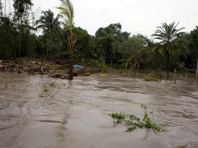 Число жертв наводнений в Колумбии возросло до 154 человек