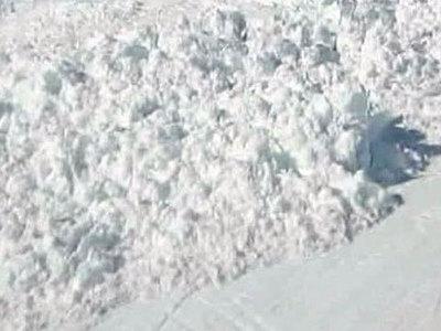 В горах Сочи спасатели откопали из-под снега двоих мужчин