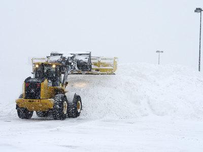 Снегопады парализовали грузовые автоперевозки в Болгарии