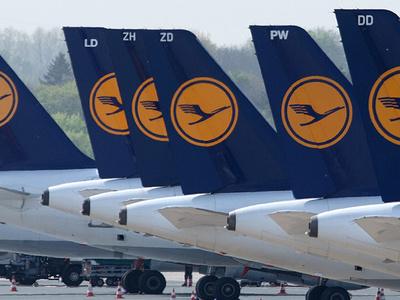 Самолет Lufthansa вынужденно сел в Штутгарте из-за урагана