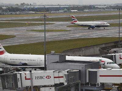 Британские пассажиры застряли в Хитроу из-за компьютерного сбоя