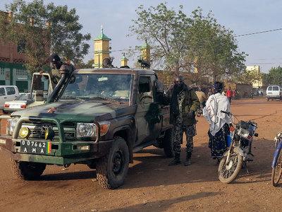 В Мали жертвами атаки террористов стали не менее 10 военных
