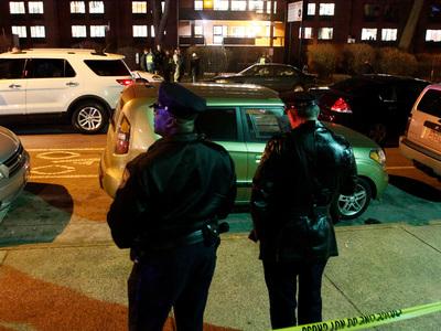 В американском городе Нью-Касл вертолет врезался в здание