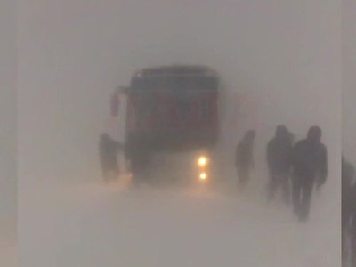 В Хабаровском крае две трассы закрыты из-за снегопада и метели