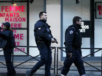 Инцидент с захватом заложников в Париже благополучно завершился
