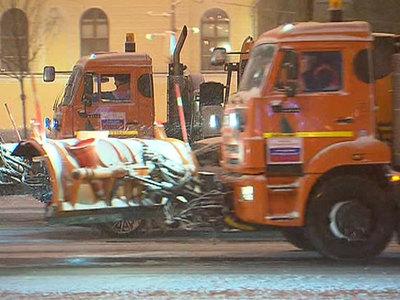В Москве снегоуборщик насмерть сбил женщину