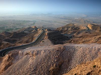 В ОАЭ возведут искусственную гору для изменения климата