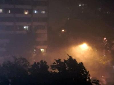 Ночная буря в Москве. Фотолента