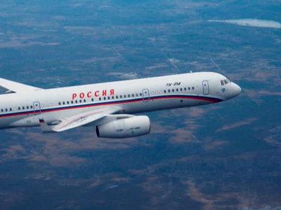 Правительственный Ту-214 направился в Москву после инцидента в Омске