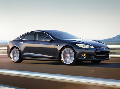 """Компании Tesla запретили использовать слово """"автопилот"""""""