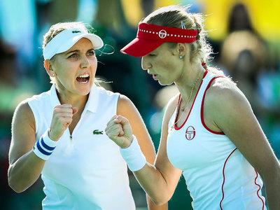 Веснина и Макарова прошли второй раунд теннисного турнира в Дубае