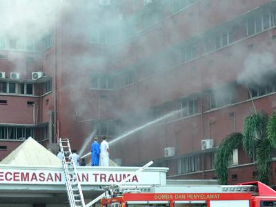 Жертвами пожара в малайзийской больнице стали шесть человек