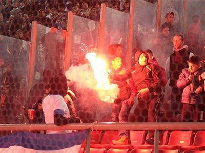 Фанаты едва не сорвали матч Греции с Боснией и Герцеговиной