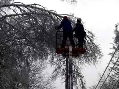 В Центральной России продолжают восстанавливать энергоснабжение