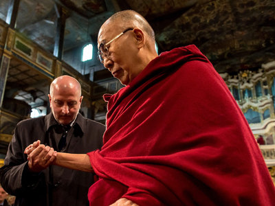 Буддисты России и всего мира отмечают 82-летие Далай-ламы XIV