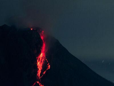 Супервулкан вблизи Неаполя показывает признаки пробуждения