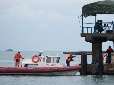 Минобороны: из воды извлечено 15 тел, поднят второй самописец