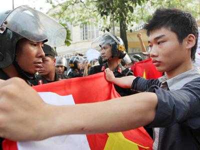 Полиция Вьетнама разогнала антикитайскую демонстрацию
