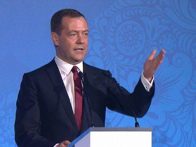 Медведев пожелал участникам военной Олимпиады проявить выдержку и уважение
