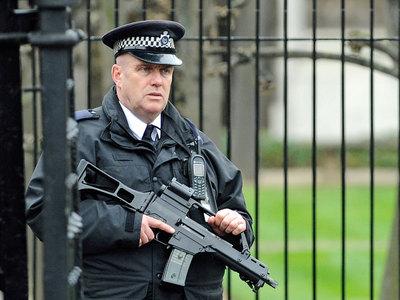 Двое подозреваемых по делу о лондонском теракте отпущены на свободу