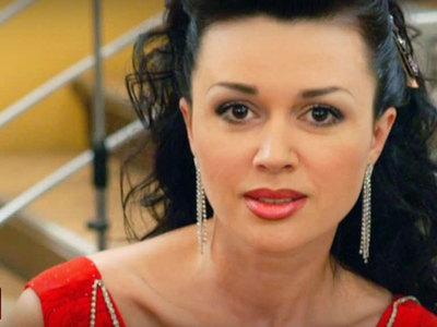 Актрисе Анастасии Заворотнюк удалось избежать банкротства