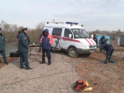 В Пермском крае трехлетняя девочка упала с моста и утонула