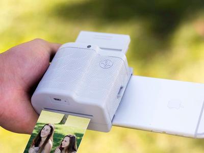 """Принтер-приставка для iPhone печатает """"оживающие"""" фото"""