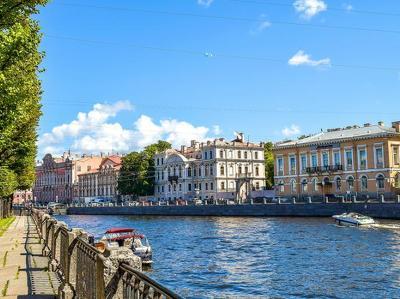 В Петербурге открыли самый высокий пешеходный мост