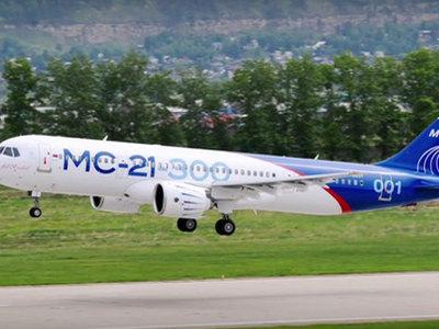 Российский магистральный самолет МС-21 совершил первый испытательный полет
