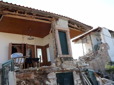 Землетрясение в Греции привело к жертвам и разрушениям