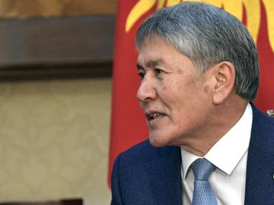 Президент Киргизии прибыл в Москву