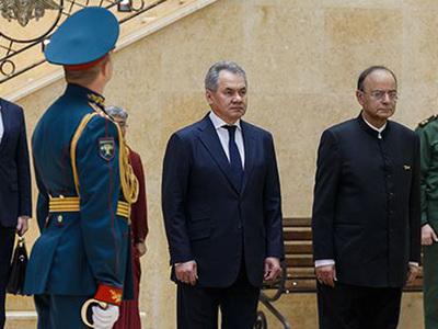 """Россия и Индия подписали """"дорожную карту"""" развития военного сотрудничества"""