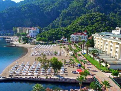 Из турецкого отеля внезапно выселили полтысячи отдыхающих