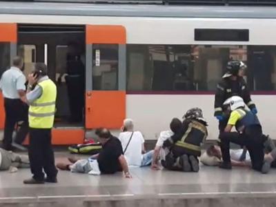 На вокзале Барселоны поезд врезался в отбойник, пострадали 50 человек
