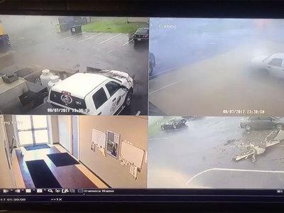 В Мэриленде торнадо разнес парковку. Видео
