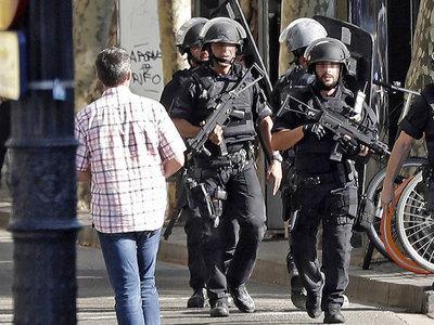 После терактов в Испании не стали поднимать уровень опасности