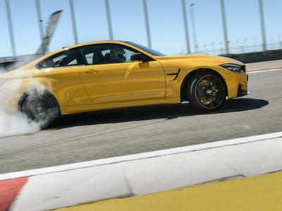 Посчитали-прослезились: вся правда о стоимости ремонта культового спорткара BMW