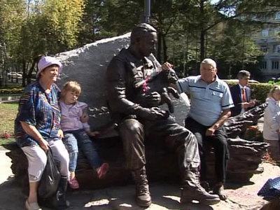 В Уссурийске открыли первый в России памятник егерям