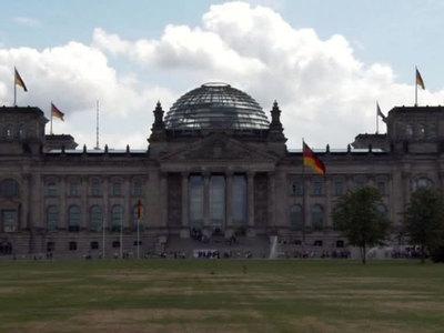 """Патриотизм по-германски: немцы проголосовали за """"Альернативу"""" в бундестаге"""