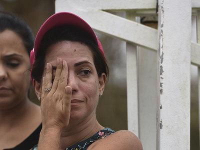 На встрече с жителями Пуэрто-Рико Трамп бросал в толпу бумажные полотенца