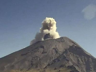 Вулкан Попокатепетль проснулся в окрестностях Мехико